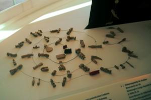 Die Merkhilfe aus Holz und Schnur erleichtert das Erinnern. CC0 Aileen Singhof