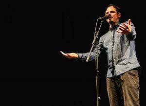 Digitur_Rainer Holl_Poetry Slam_Digitalisierung (c) Der Fotowikinger Am 14. und 15. Oktober 2016 tritt Rainer Holl bei den NRW-Meisterschaften im Poetry Slam in Bochum an. Bild: © Der Fotowikinger
