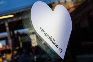 """Die re:publica 2017 findet unter dem Motto """"Love Out Loud"""" vom 8.-10 Mai in Berlin statt"""